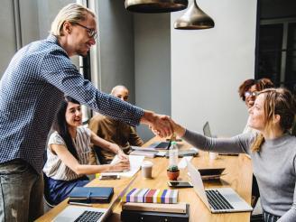 Estrategias para crear capital humano en una empresa